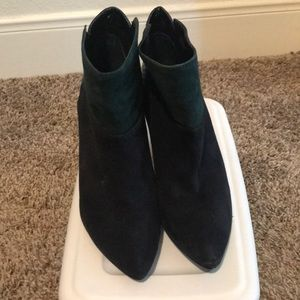 Suede 3-toned ankle booties